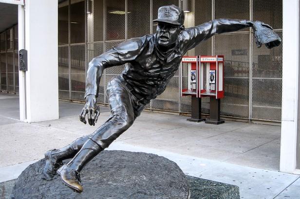 Bob Gibson Statue - Busch Memorial