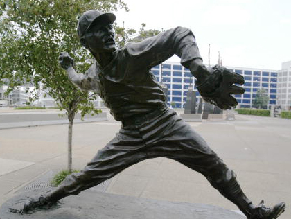 Dizzy Dean Statue - Busch Memorial