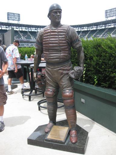 Carlton Fisk Statue