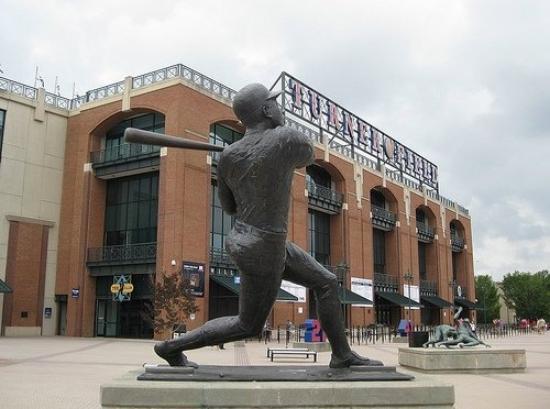 Hank Aaron Statue -Turner
