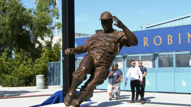 Jackie Robinson Statue - Dodger