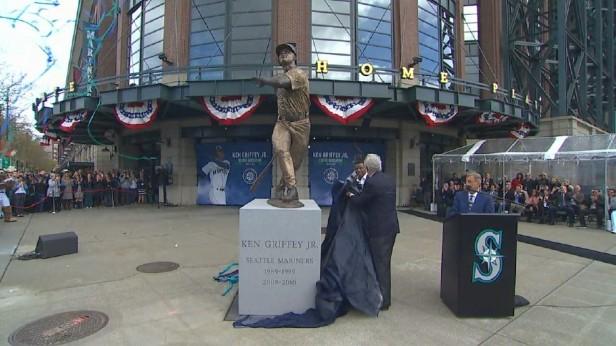 Ken Griffey Jr Statue
