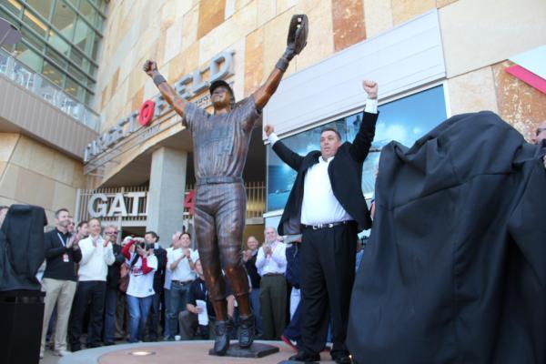 Kent Hrbek Statue