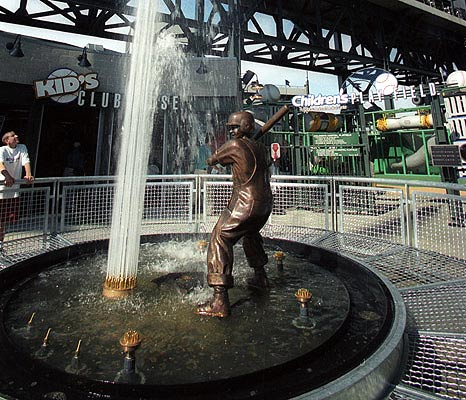 Mariners Childrens Fund Statue